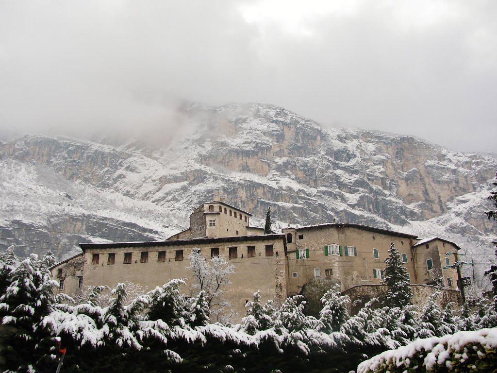 Castel Pietra