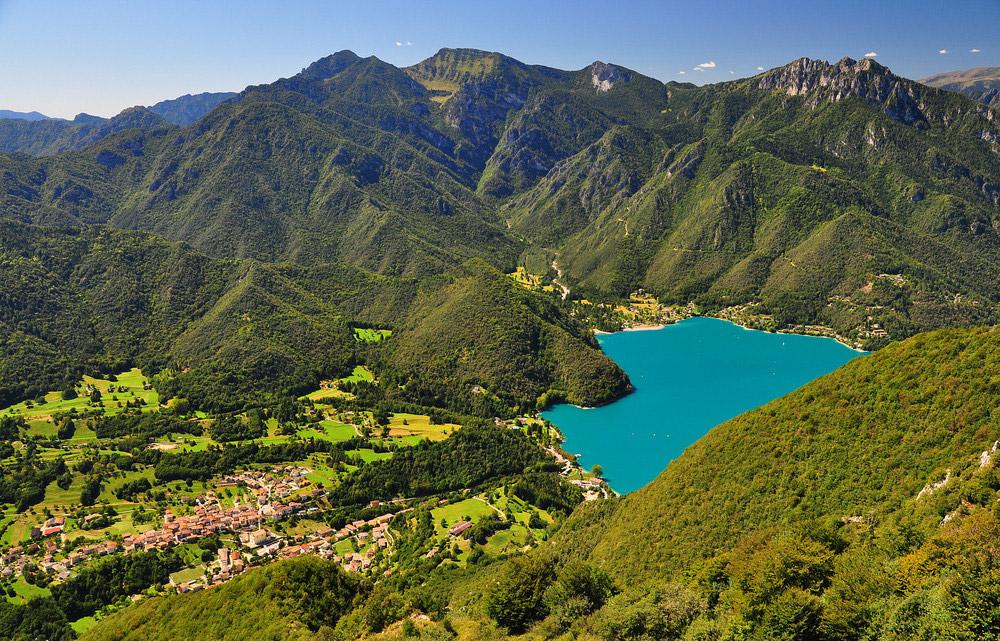 il Lago di Ledro, tra i laghi del trentino famosi per la loro storia millenaria