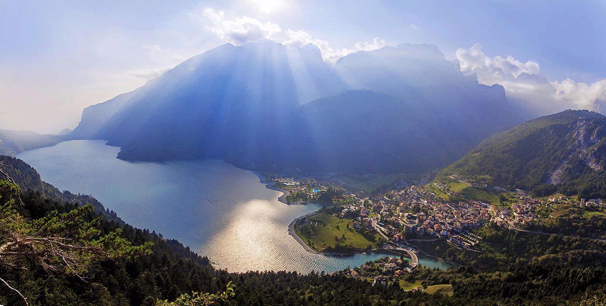 il Lago di Molveno è uno dei più famosi laghi del trentino!
